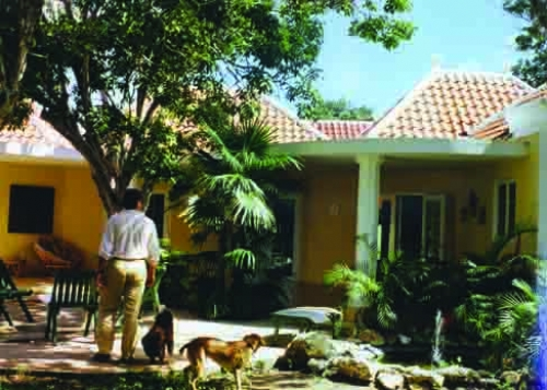 Extension traditional tropical house Curacao